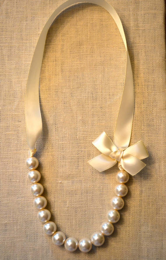 Mini Lily Pearl Necklace